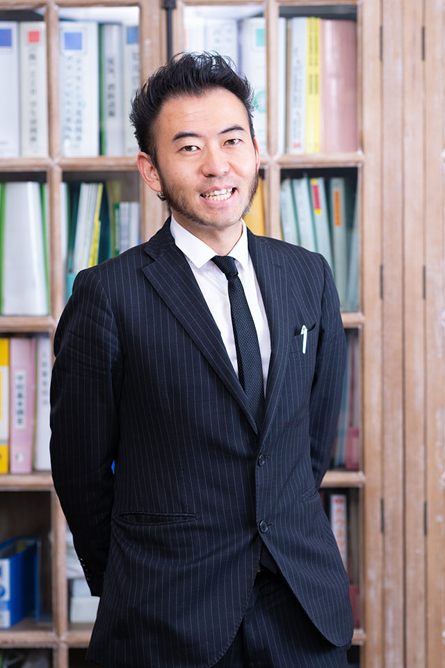 日本語学科の落合 宏紀 先生