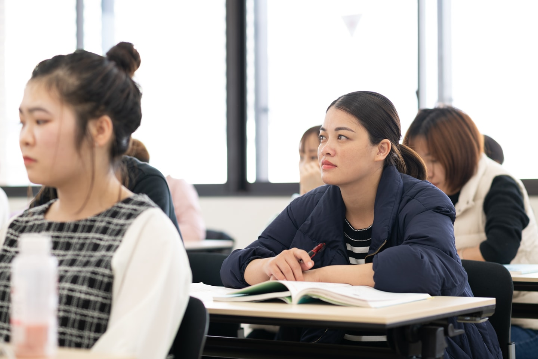 国際通訳ビジネス学科 留学生との交流により生きた異文化体験ができる